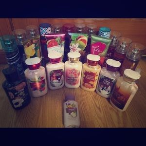 Huge Bath and Body Works Lot